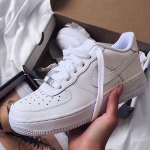 Nike air force 1 triple white sneakers
